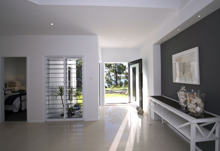home design entrance with marble floor